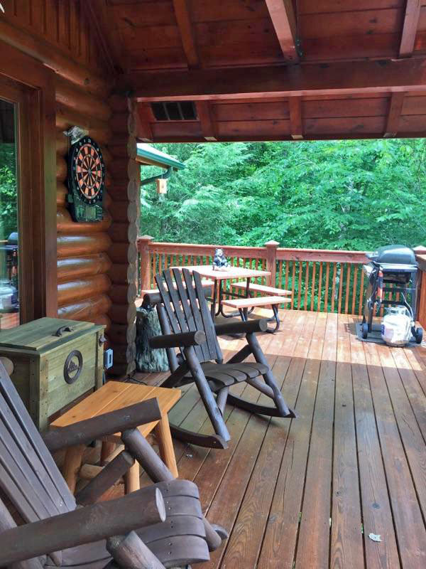 Dancing Bear - Private and Secluded 2 Bedroom cabin