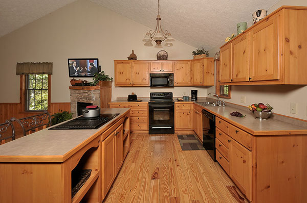 Serenity Now!! cabin - Fully equipped kitchen and kitchen island with down draft range.